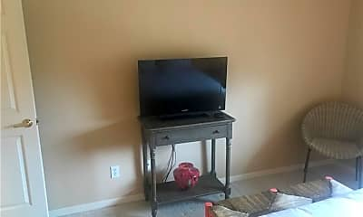 Living Room, 3471 Pointe Creek Ct 305, 2