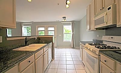 Kitchen, 905 Enfield Dr, 1