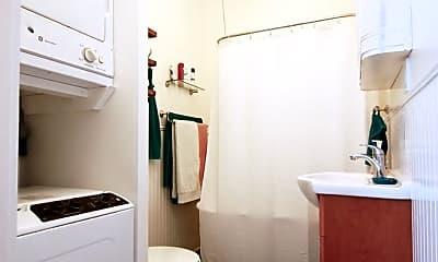 Bathroom, 2724 Master St, 1