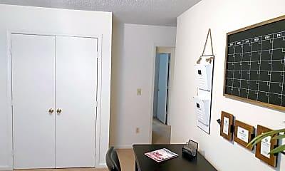 Living Room, 113 Brownlea Dr, 2