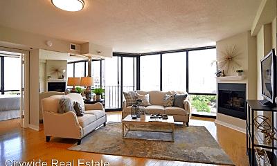 Living Room, 1309 N Wells St, 1