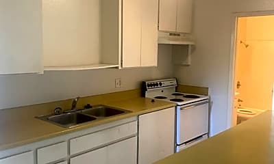 Kitchen, 412 Plymouth Dr, 1