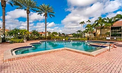 Pool, 1229 SW 46th Ave 409, 1