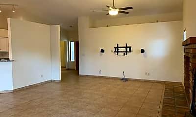 Living Room, 5078 W Pheasant St, 1