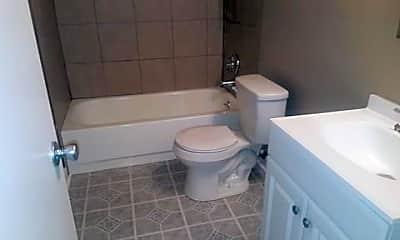 Bathroom, Glen Oak Apartments, 2