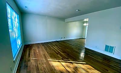 Living Room, 109 Longwood Dr, 2