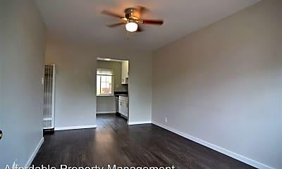 Living Room, 36020 Mission Blvd, 1