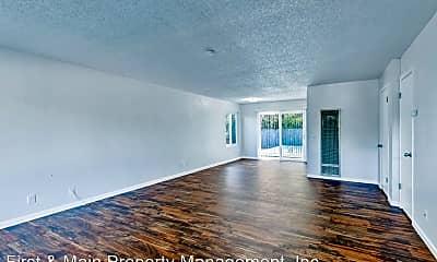 Living Room, 39 Griggs Ln, 1