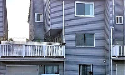 Building, 935 Goethals Rd N, 0