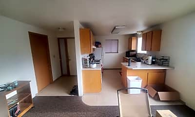 Building, 1240 NE Hillside Dr, 2