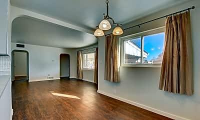 Living Room, 9261 Harris St, 1