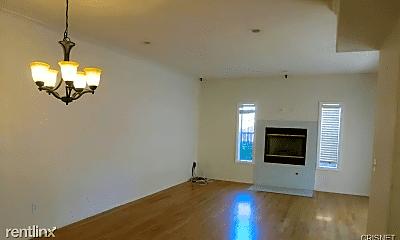Living Room, 17726 Kinzie St, 0