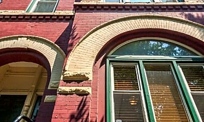 Building, 1031 N Paulina St, 0