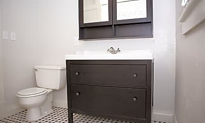 Bathroom, 713 E Obryant St, 0