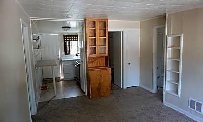 Kitchen, 913 5th St NE, 1