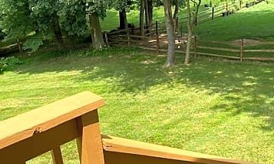Patio / Deck, 48 Beech Hill Dr, 2