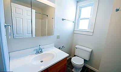 Bathroom, 202 N 2nd St 5, 2