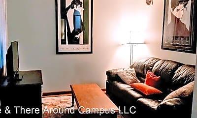 Bedroom, 2040 Iuka Ave, 0