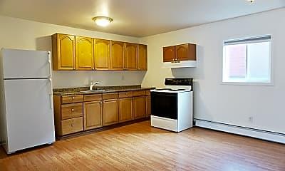 Kitchen, 900 W 29th Pl, 1