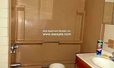 Bathroom, 8 Parker St, 2