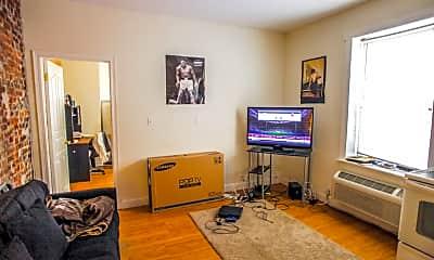 Living Room, 4447 Chestnut St, 2