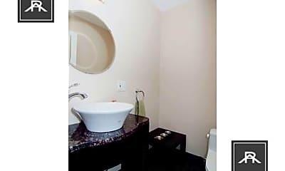 Bathroom, 2021 Commonwealth Avenue, 1