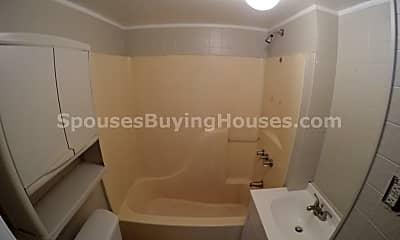 Bathroom, 1446 S Richland St, 2