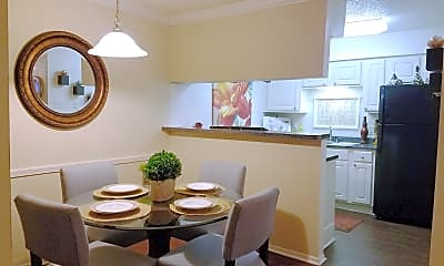 Dining Room, Grayson Ridge, 2