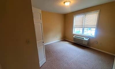 Living Room, 393 N Main St, 2