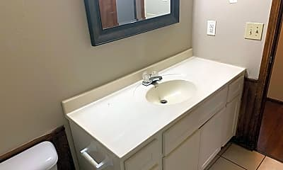 Bathroom, 4904 Gaines St, 2