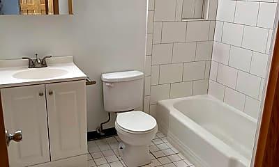 Bathroom, 615 E 18th St, 2