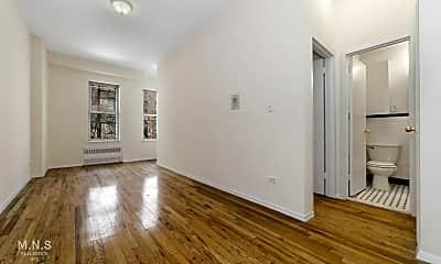 Living Room, 144 E 22nd St 5-D, 1
