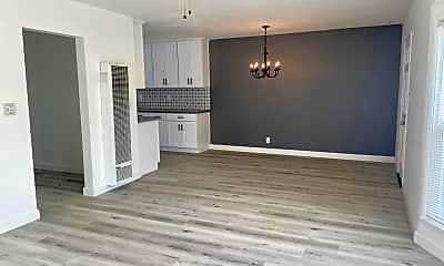 Living Room, 4823 Dunrobin Ave, 0