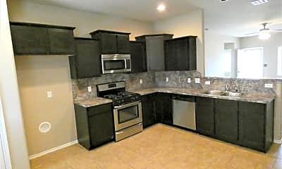 Kitchen, 5009 Hunter Blvd, 1
