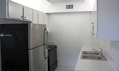 Kitchen, 370 Sunshine Dr 2, 1