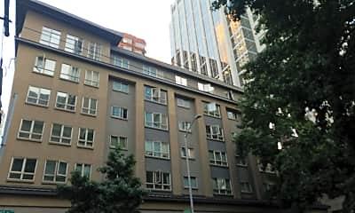 Stewart Court Apartments, 2