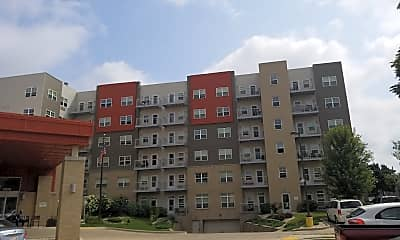 Becher Terrace, 0