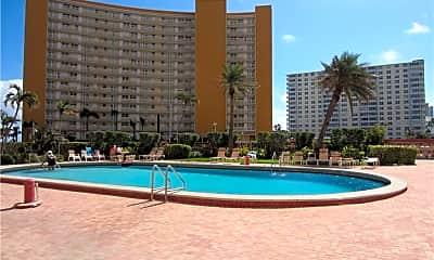 Pool, 405 N Ocean Blvd 107, 1