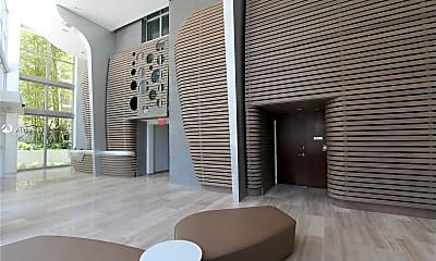 Living Room, 6620 Indian Creek Dr 516, 1