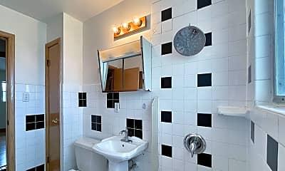 Bathroom, 3952 S 43rd St 3954, 1