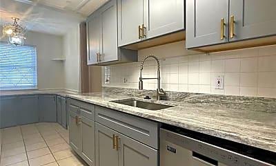 Kitchen, 941 Kirts Blvd, 2