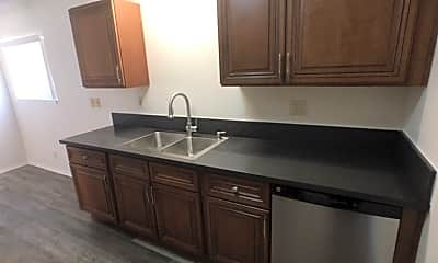 Kitchen, 607 Emily St, 1