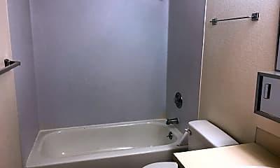 Bathroom, 710 NE 42nd St, 2