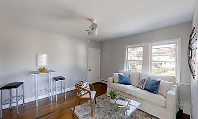 Living Room, 836 Canterbury St, 1