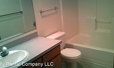 Bathroom, 545 Shoemaker Pl, 2