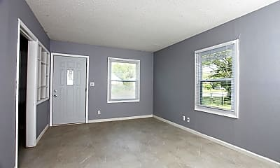 Living Room, 945 N Grove St, 1