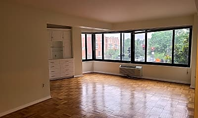 Living Room, 3601 Wisconsin Ave 204, 0