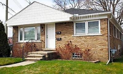 Building, 131 E Woodland St, 1
