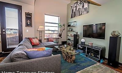 Living Room, 2900 Wyandot St, 1