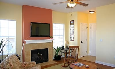 Living Room, 1500 E Pusch Wilderness Dr 15204, 1